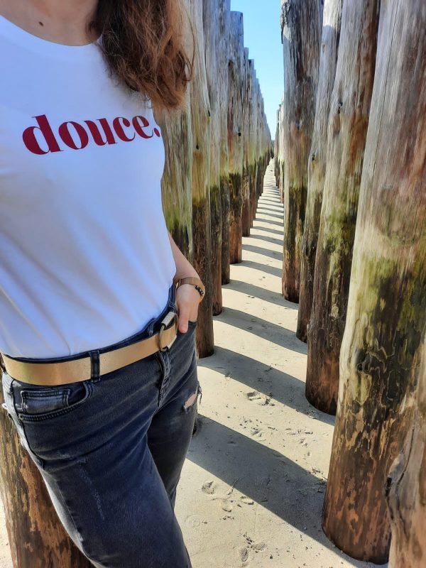 collection-douce-tshirt-blanc-coton-bio-elo-leo-velours-rouge